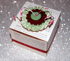 Christmas Box w button