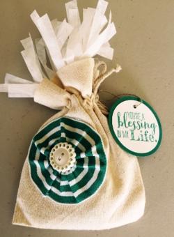 Cloth gift bag