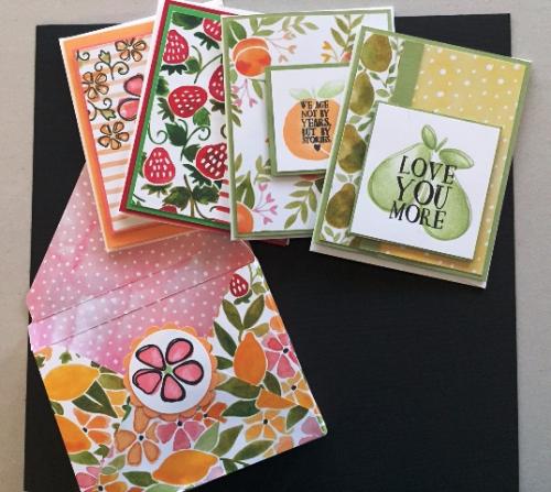 4 CARDS & BOX