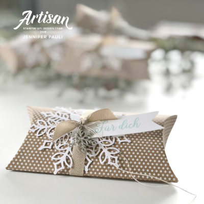 Artisian pillow box